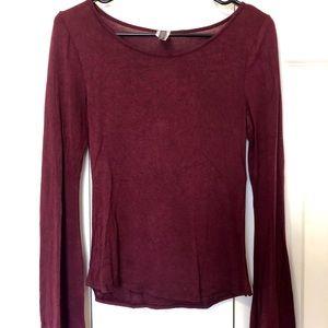 Tops - Bell sleeved shirt